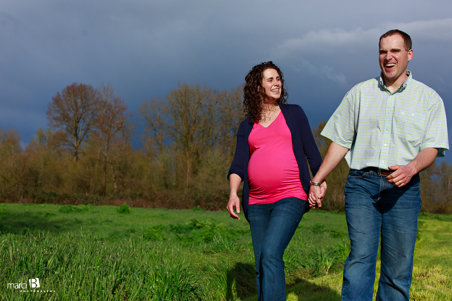 Corvallis, Oregon Maternity Photos
