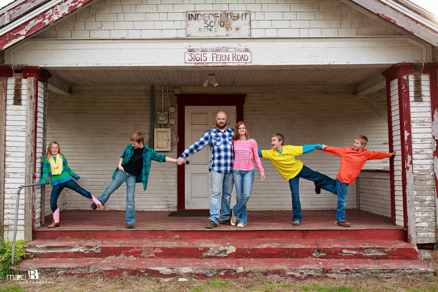 Corvallis, Oregon family photographer - Philomath, OR - Fern Road