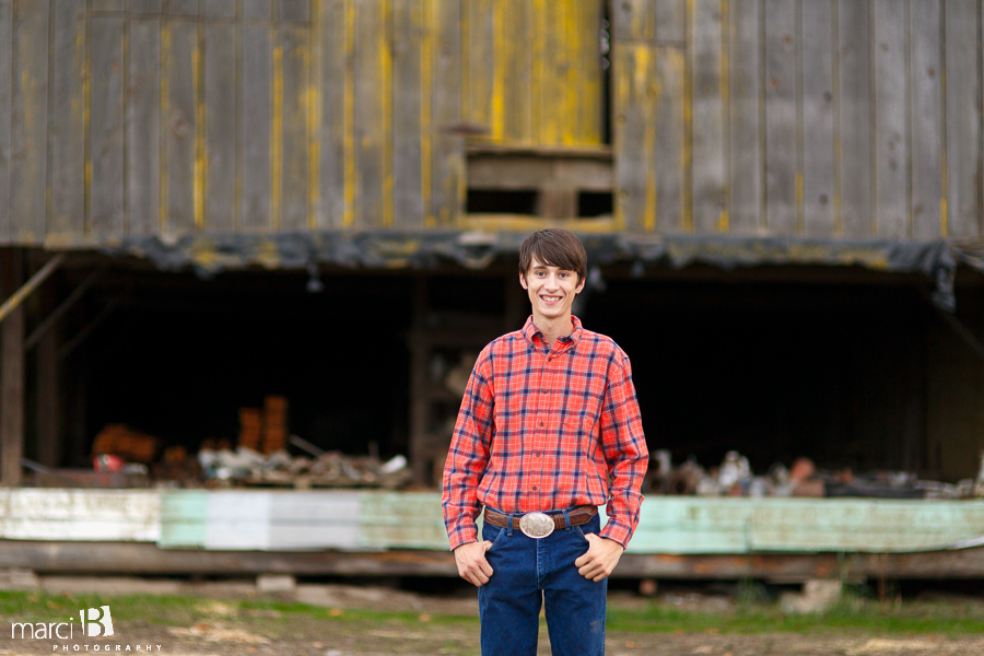 Corvallis photography - senior pictures - barn - farm