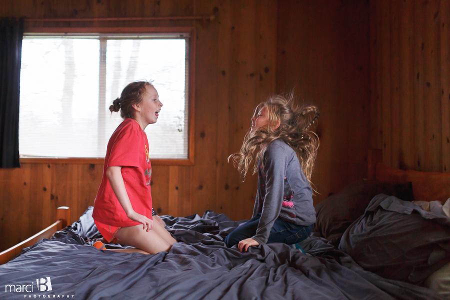 Kids jumping on bed - Corvallis photography