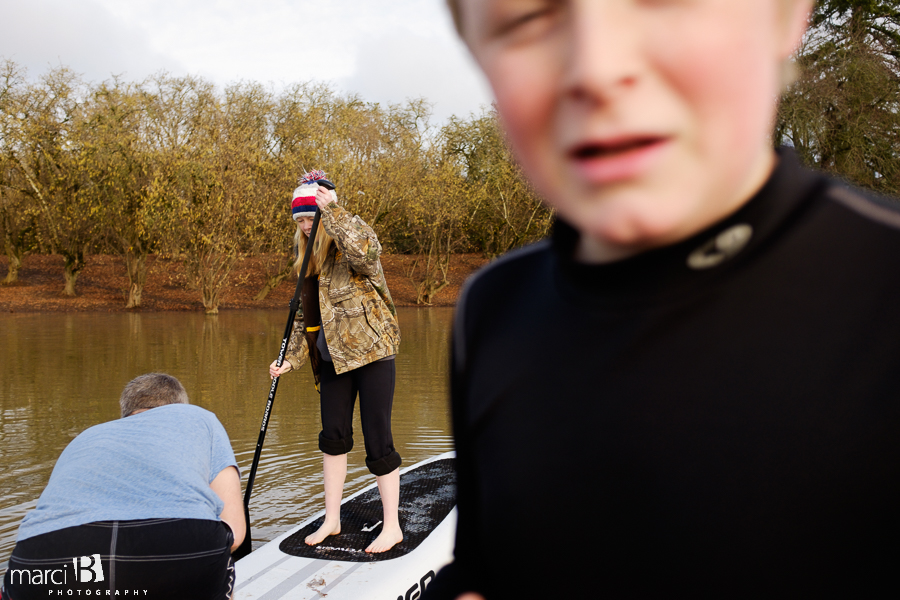 family paddleboarding - learning paddleboarding - winter sup