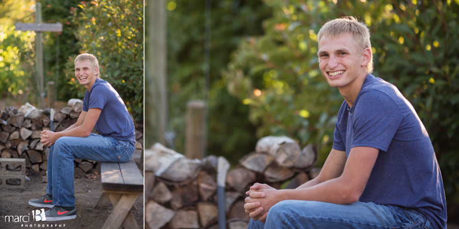 senior photos - photographer - on location portraits